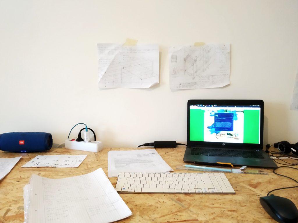 Arbeitsplatz für Konstruktionszeichnungen