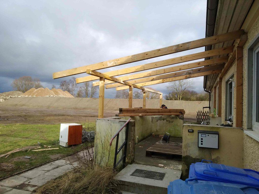 Dachstuhl für die Terrasse